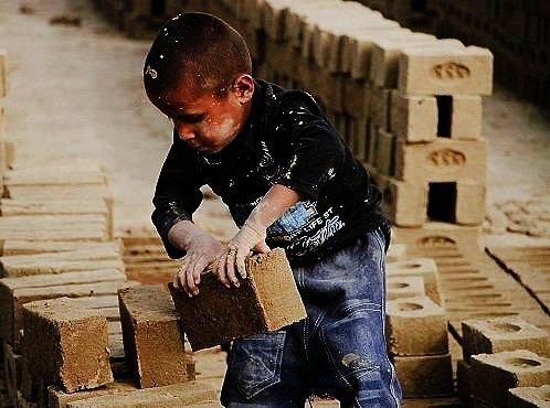 Child laborer in Iran